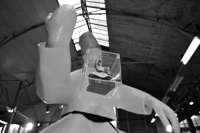 Photos: Monumenta, Mina Feingold Sculpture at Ateliers Christofle. Finalisé ci-dessus; en cours de travaux ci-dessous. DR.