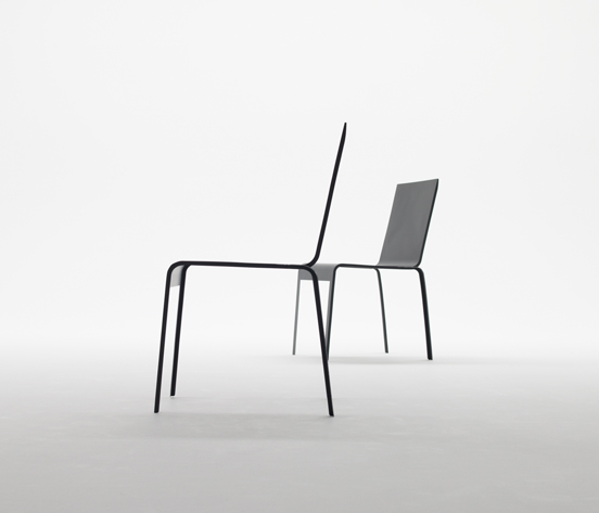 Photo: ci-dessus la Carbon Fiber Chair, Shigeru Ban - production Teijin.