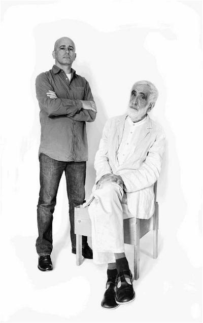 De gauche à droite, Gabriele Pezzini et Enzo Mari, portrait. Copyright Giovanna Silva.