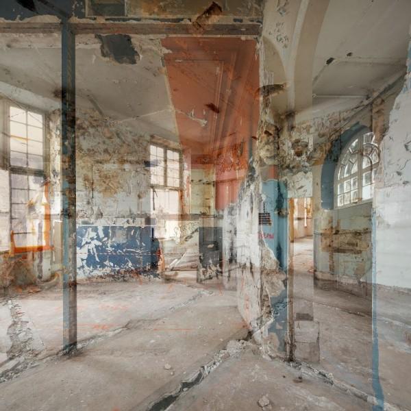 Entre-deux. Œuvre N° 31de bâtiment classé, tirage à 8 exemplaires. Photographe Vincent Fillon. Exposition See Studio
